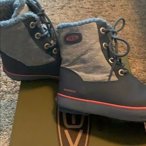 Keen waterproof fur lined winter boot